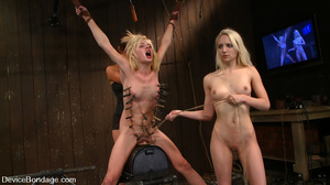 Three bitches in hot fisting, cunt and a - XXX Dessert - Picture 11