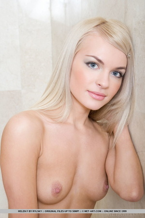 Sweet, young blonde reveals her sexy, ti - XXX Dessert - Picture 5