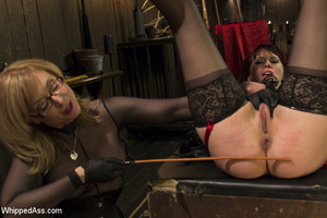 Two lesbians in kinky ass spanking actio - XXX Dessert - Picture 3