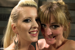 Sexy blonde makes girl lick her cunt, sp - XXX Dessert - Picture 10