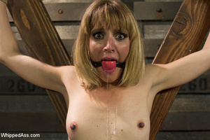 Sexy blonde makes girl lick her cunt, sp - XXX Dessert - Picture 14
