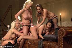 Blondes and friend tie up chick, dominat - XXX Dessert - Picture 9