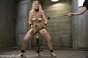 Cute blonde made to squat and carry heav - XXX Dessert - Picture 6