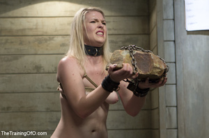 Cute blonde made to squat and carry heav - XXX Dessert - Picture 7