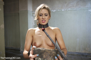 Slave chick made to lift stone, squat, d - XXX Dessert - Picture 1