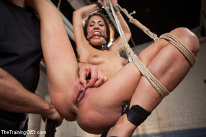 Kinky chick racked, tied, suspended made - XXX Dessert - Picture 6