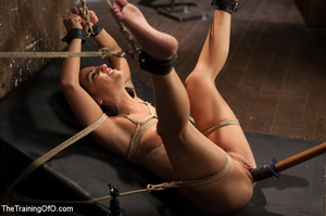 Sexy chick gets head boxed, pegged and r - XXX Dessert - Picture 5