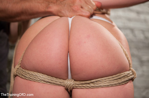 Stud master ropes and suspends blonde, p - XXX Dessert - Picture 2