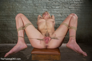 Stud master ropes and suspends blonde, p - XXX Dessert - Picture 12