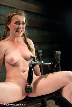 Pony tail chick strapped and tied sucks  - XXX Dessert - Picture 5