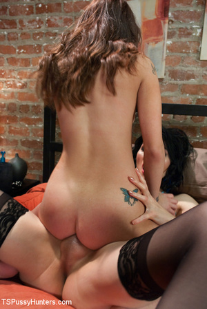 Tranny meets chick in bar and take her h - XXX Dessert - Picture 7