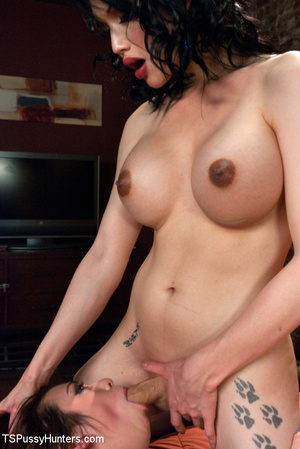 Tranny meets chick in bar and take her h - XXX Dessert - Picture 12