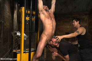 Muscled guy tied gets to suck cock as he - XXX Dessert - Picture 3