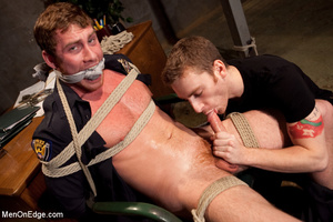 Guy roped down gets titillated with mout - XXX Dessert - Picture 7