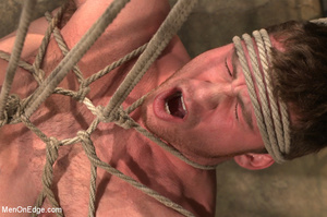 Guy roped down gets titillated with mout - XXX Dessert - Picture 13