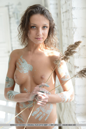 Petite young artist leaves paint marks a - XXX Dessert - Picture 18