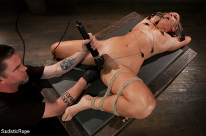 Guy suspends chick with ropes upside dow - XXX Dessert - Picture 5