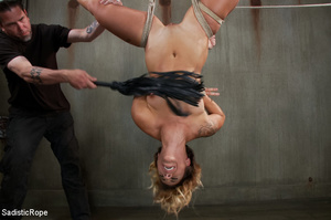 Guy suspends chick with ropes upside dow - XXX Dessert - Picture 10