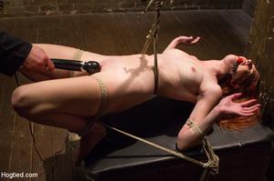 Doggystyle sensual brunette massage palor