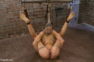 Hot babe yell sweet pain as she is folde - XXX Dessert - Picture 13