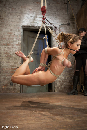 Hardcore bondage as babe is racked and r - XXX Dessert - Picture 4