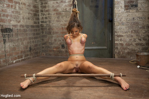Hardcore bondage as babe is racked and r - XXX Dessert - Picture 9