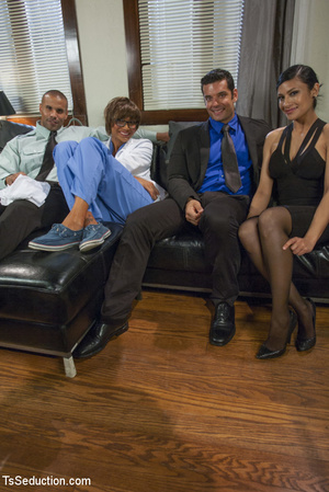 Two hot she-males and two randy guys suc - XXX Dessert - Picture 1