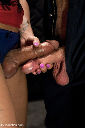 Tattoo honey skin shemale and white dude - XXX Dessert - Picture 2