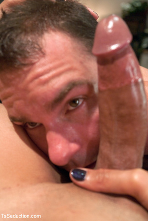 Sexy tale shemale use big dick to pound  - XXX Dessert - Picture 3