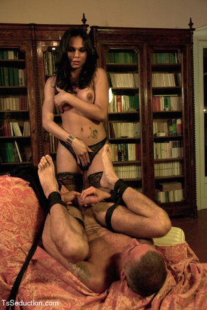 Tied up guy sucks tranny's feet and cock - XXX Dessert - Picture 4