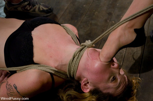 Tied up chick licks cunt and worship fee - XXX Dessert - Picture 6