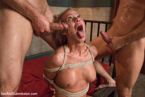 Hot tits blonde tied to bed and sucks tw - XXX Dessert - Picture 14