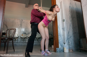 Guy spanks young chick and racks and bin - XXX Dessert - Picture 5