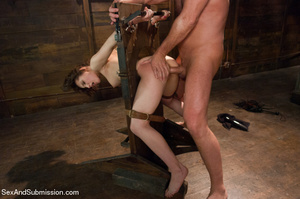 Guy spanks young chick and racks and bin - XXX Dessert - Picture 11