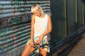 Blonde on bike gives a peep of sexy smal - XXX Dessert - Picture 6