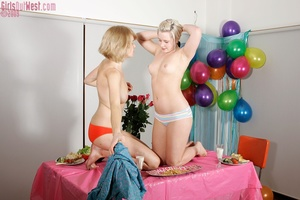 Two charming blondes ignore food to feed - XXX Dessert - Picture 4
