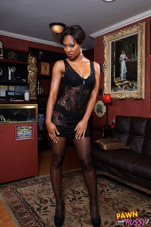 Sweet curvy ebony slut waste no time str - XXX Dessert - Picture 1