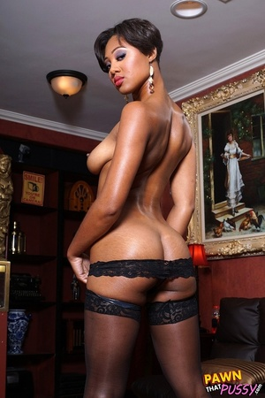 Sweet curvy ebony slut waste no time str - XXX Dessert - Picture 3