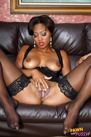 Sweet curvy ebony slut waste no time str - XXX Dessert - Picture 9
