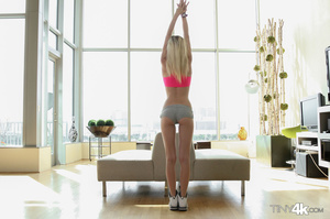 Teen blonde drops pink top and white spo - XXX Dessert - Picture 14