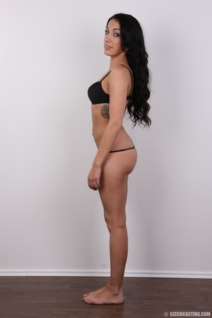 Sexy black hair damsel reveals amazing b - XXX Dessert - Picture 8