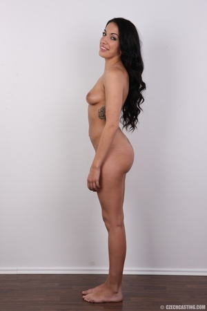 Sexy black hair damsel reveals amazing b - XXX Dessert - Picture 15