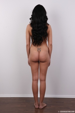 Sexy black hair damsel reveals amazing b - XXX Dessert - Picture 16