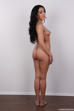 Sexy black hair damsel reveals amazing b - XXX Dessert - Picture 17
