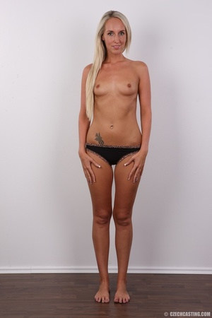 Sexy tall and slim blonde in hot black d - XXX Dessert - Picture 7