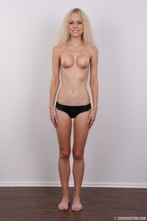 Pretty shaggy hair blonde with sexy eyes - XXX Dessert - Picture 9