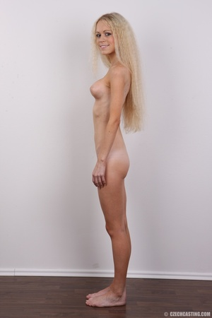 Pretty shaggy hair blonde with sexy eyes - XXX Dessert - Picture 15