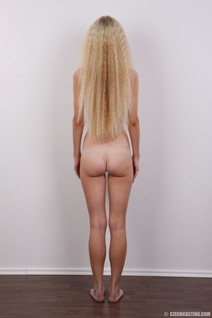 Pretty shaggy hair blonde with sexy eyes - XXX Dessert - Picture 16