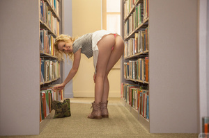 Curly blonde teeny gets naughty in the l - XXX Dessert - Picture 5