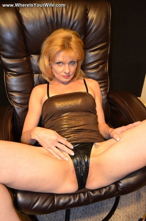 Slutty blonde granny in a black dress an - XXX Dessert - Picture 5